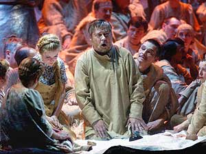 Сцена из спектакля в постановке Мариинского театра