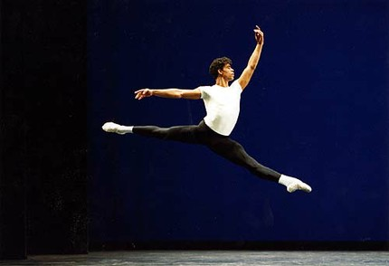 Carlos Acosta in the Royal Ballet's Agon © Bill Cooper