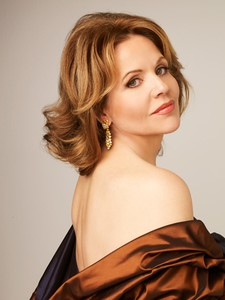 Рене Флеминг (Renée Fleming). Photo: Decca/Andrew Eccles