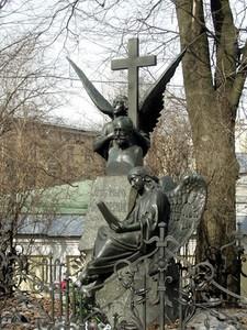Могила Чайковского в Александро-Невской лавре