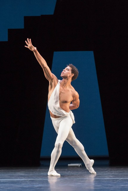 Carlos Acosta in Apollo. © Johan Persson, courtesy the Royal Opera House