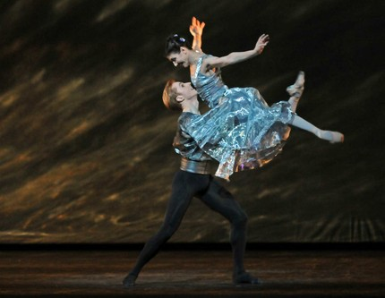 Alina Cojocaru and Steven McRae in Alexei Ratmansky's 24 Preludes. © Dave Morgan, by kind permission of the Royal Opera House