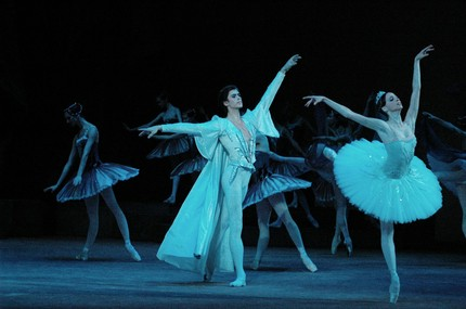 Артём Овчаренко в балете «Раймонда»
