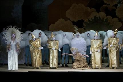 Оперный комикс поставили в Красноярске