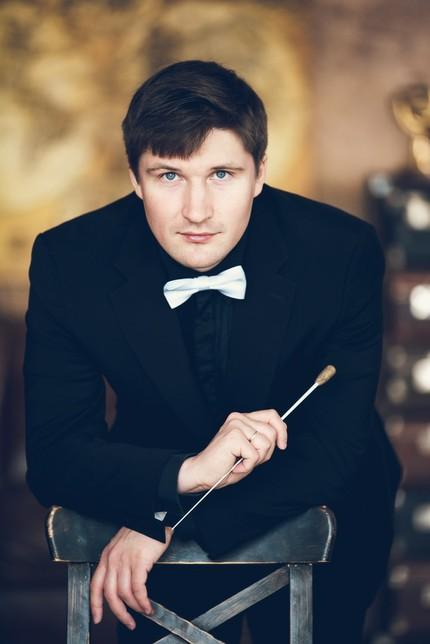 Антон Паисов