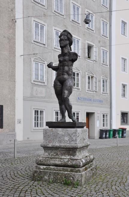 В Зальцбурге расправились с влюбчивой пушкинской героиней