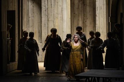 «Бал-маскарад» в Гамбургской опере
